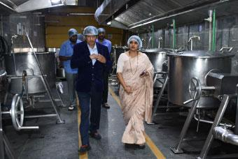 Honorable Dignitaries Visits HK Hill Kitchen